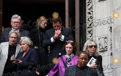 Dominick Dunne Photo - Funeral For Dominick Dunne at the Church of Saint Vincent Ferrer Newyork City 09-10-2009 Photo by William Regan- Globe Photos Inc 2009 Uma Thurman and Arky Busson