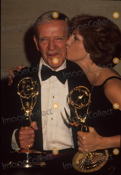Fred Astaire Photo - Joanne Woodward Fred Astaire 1978 G7870b Photo by Bob V Noble-Globe Photos Inc