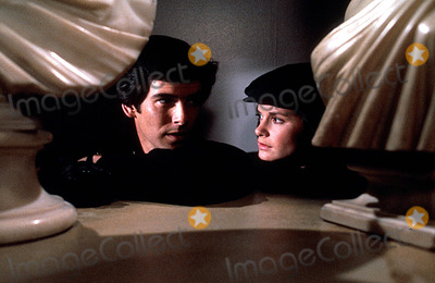 Stephanie Zimbalist Photo - Remington Steele Pierce Brosnan Stephanie Zimbalist Supplied by Globe Photos Inc