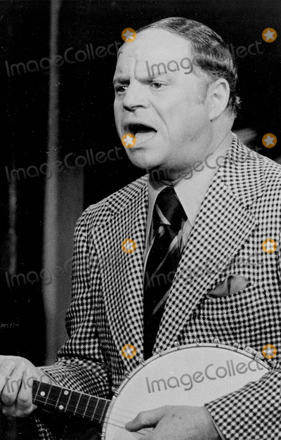 Johnny Carson Photo - Don Rickles the Tonight Show Starring Johnny Carson 1973 Supplied by Nbc-Globe Photos Inc Tv-film Still