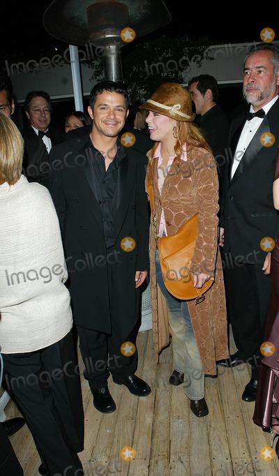 Alejandro Sanz Photo - Warner Brothers Post Grammy Party at the Mondrian Hotel Los Angeles CA Alejandro Sanz and Olga Tanon Photo by Fitzroy Barrett  Globe Photos Inc 2-27-2002 K24195fb (D)