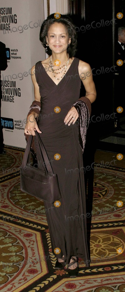 Anne-Marie Johnson Photo - 03 December 2006 - New York NY USA - Anne Marie Johnson attends as the Museum of the Moving Image salutes Will Smith  This being the Museums 22nd annual gala held in the Grand Ballroom of the Waldorf-Astoria which will air on Bravo 011207  Photo Credit  Anthony G MooreGlobe PhotosK50976AGM