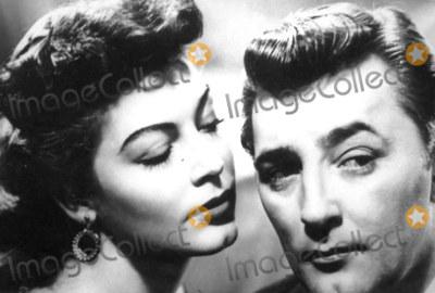 Ava Gardner Photo - PhotoGlobe Photos Inc B99999 Ava Gardner and Robert Mitchum