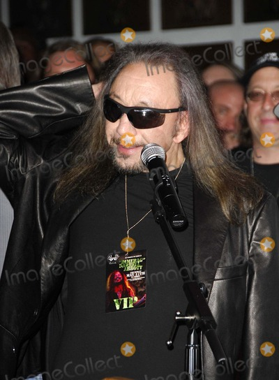 Ace Frehley Photo - Ace Frehley During the Posthumous Induction of Guitarist Dimebag Darrell Abbott Into Hollywoods Rockwalk on May 17 2007 in Los Angeles Photo by Michael Germana-Globe Photosinc