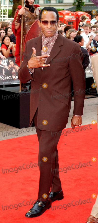 Antonio Fargas Photo - Brett ParkerglobelinkukcomGlobe Photos Inc 07152004 000959 Antonio Fargas King Arthur European Premiere - Empire Leicester Square London