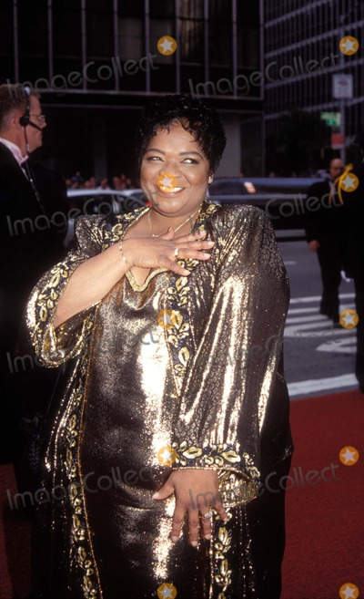 Nell Carter Photo - 71998 New York 1998 Tony Awards Photo by Paul SchmulbachGlobe Photos Inc K12574ps Nell Carter Nellcarterretro