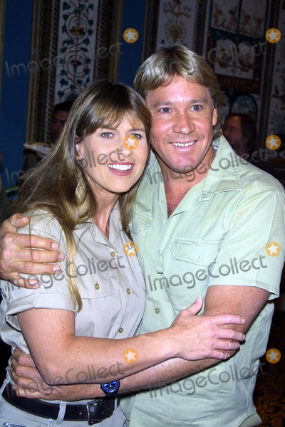Terry Irwin Photo -  3602 Press Conference and Lunch For the Film the Crocodile Hunter During Showest in Las Vegas NV Terri with Steve Irwin Photo by John BarrettGlobe Photos Inc