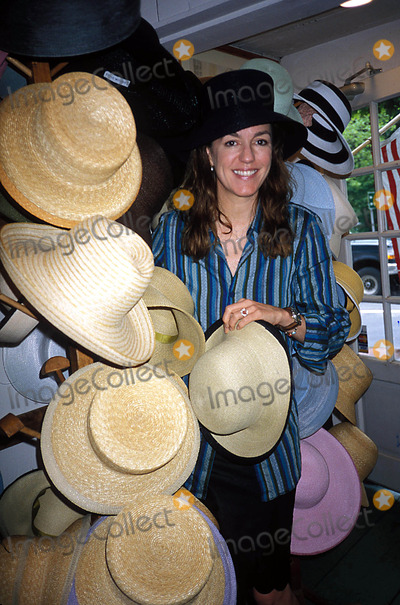 Anne Moore Photo - Anne Moore at Her Boutique Bridgehampton New York Photo Rose Hartman Globe Photos Inc