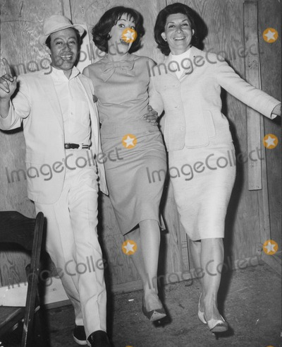 Betty Comden Photo - Adolph Green Carol Burnett and Betty Comden Globe Photos Inc Obit