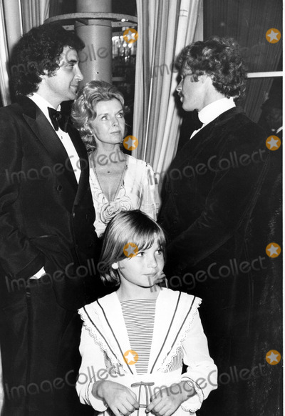 Jeanne Martin Photo - Ryan Oneal with Frank Calgagnini Jeanne Martin and Tatum Oneal Photo by Phil RoachipolGlobe Photos Inc