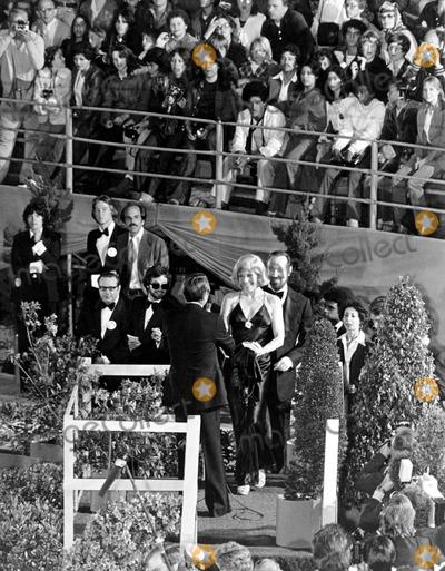Kim Novak Photo - Kim Novak at the Academy Awards 1979 IpolGlobe Photos Inc