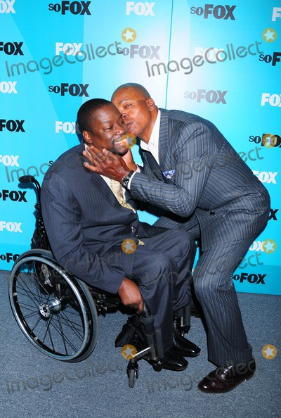 Carl Weathers Photo - Fox 2009 Programming Presentation Post Party at Wollman Rink  Central Park in New York City 05-18-2009 Photo by Ken Babolcsay-ipol-Globe Photos Inc Daryl Mitchell with Carl Weathers