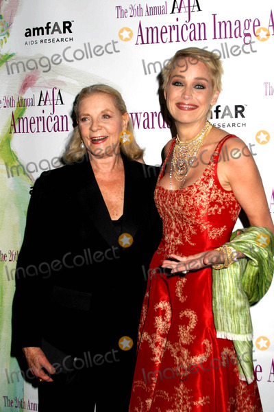 Sharon Stone Photo - the 26th Annual Aafa American Image Awards at the Grand Hyatt New York City 05032004 Photo by Paul SchmulbachGlobe Photosinc Lauren Bacall_sharon Stone