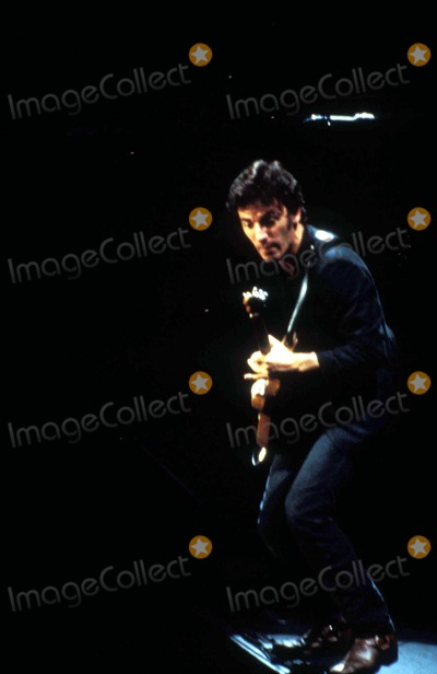 Bruce Springsteen Photo - 1978 Bruce Springsteen Photo by Globe Photos