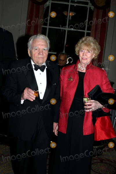 Andy Rooney Photo - 15th Annual International Press Freedom Awards Dinner at the Waldolf Astoria in New York City 11-22-2005 Photo by William Regan-Globephotos Inc 2005 Andy Rooney with Ruth Friendly