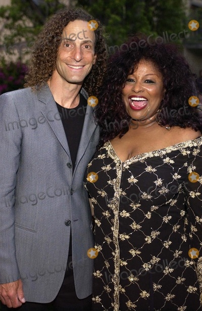 Kenny G Photo - K43379VGCHAKA KHAN 2ND ANNUAL GALA DINNER TO BENEFIT THE CHAKA KHAN FOUNDATION   IN BEVERLY HILLS CALIFORNIA  05-21-2005THE CHAKA KHAN FOUNDATION LAST YEAR ALONE RAISED 14 MILLION THROUGH EFFORTS  THE FOUNDATION ASSIST WOMEN AND CHILDREN AT RISK AND BENEFITS AUTISM RESEARCH AWARNESS AND THERAPY PHOTO BY VALERIE GOODLOE-GLOBE PHOTOS INC  2005CHAKA KHAN AND KENNY G