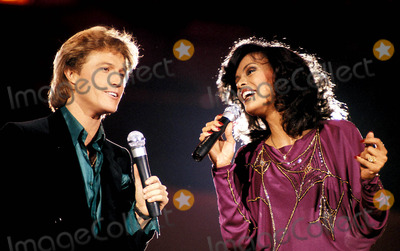 Andy Gibb Photo - Andy Gibb and Marilyn Mccoo Photo BymcaGlobe Photos Inc
