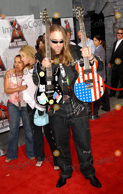 Andrew Bryniarski Photo - 2004 Mtv Movie Awards Arrivals at Sony Studio in Culver City CA 06052004 Photo by Fitzroy BarrettGlobe Photos Inc 2004 Andrew Bryniarski