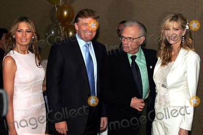Larry King Photo - K43700RM64TH ANNUAL FATHER OF THE YEAR AWARDS HOSTED BY THE NATIONAL FATHERS DAY COUNCIL WAS HELD AT THE MARRIOTT MARQUIS NEW YORK CITY06-14-2005PHOTO RICK MACKLER-RANGEFINDERS-GLOBE PHOTOS INC  2005MELANIA KNAUSS TRUMPDONALD TRUMPLARRY KINGSHAWN SOUTHWICK