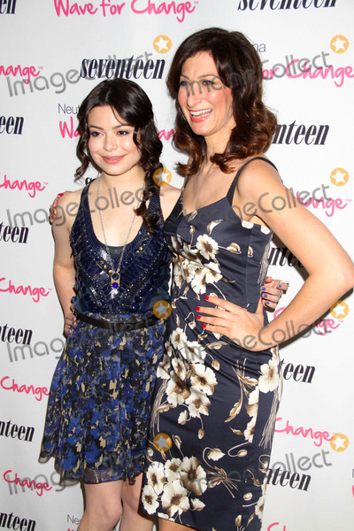 Ann Shoket Photo - Miranda cosgroveann Shoket at Seventeen magazines fivepretty Amazing Real Girl Finalists Luncheon at Mondrian Hotel S0ho 6-25-11 photo by John barrettglobe Photos inc2011