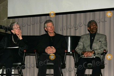 Andre De Shields Photo - The 150th anniversary of Abraham Lincolns  Might Makes Right speech is celebrated by a celebrity reading of that speech at Cooper Union Hall at which the speech was originally presented NYC 02-25-2010 Photos by Rick Mackler Rangefinder-Globe Photos Inc2010KATHLEEN CHALFANT STEPHEN LANG  ANDRE DeSHIELDSK63706RM