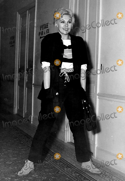 Kim Novak Photo - Kim Novak Photo Byed ZuinnGlobe Photos Inc 1960s