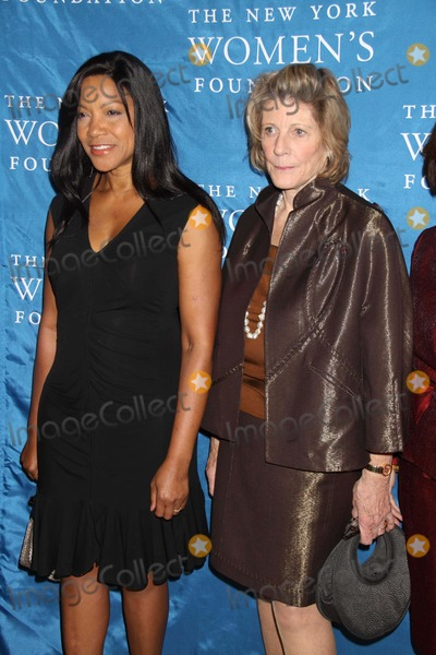 Agnes Gund Photo - Agnes Gund Chairman of the Mayors Cultural Affairs  Grace Hightower at NY Womens Foundations Stepping Out and Stepping Upannual Gala at Gotham Hall New York City 12-01-2010 Photo by John BarrettGlobe Photos Inc2010