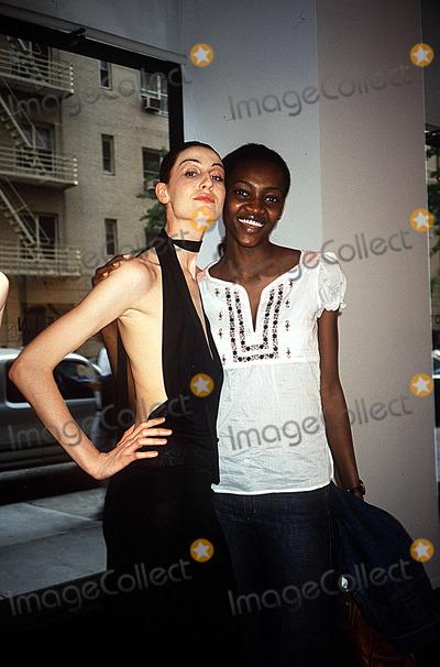 Adele Photo - Erin Oconnor Reveals Her Mannequin Adel Rootstein NYC 051602 Photo by Rose HartmanGlobe Photos Inc 2002 Erin Oconnor Oluchi