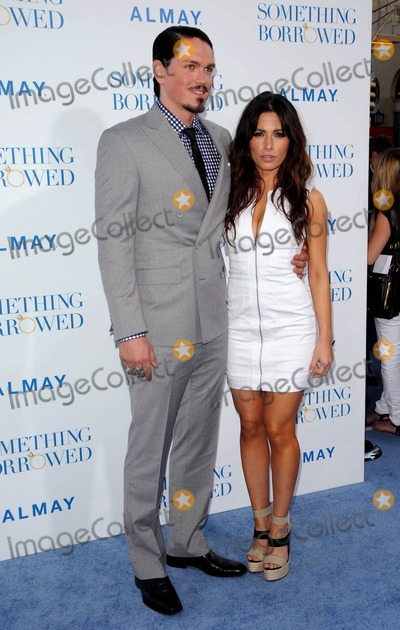 Steve Howey Photo - Steve Howey Sarah Shahi attending the World Premiere of Something Borrowed Held at the graumans Chinese Theatre in Hollywood California on 5311photo by D Long- Globe Photos Inc  2011