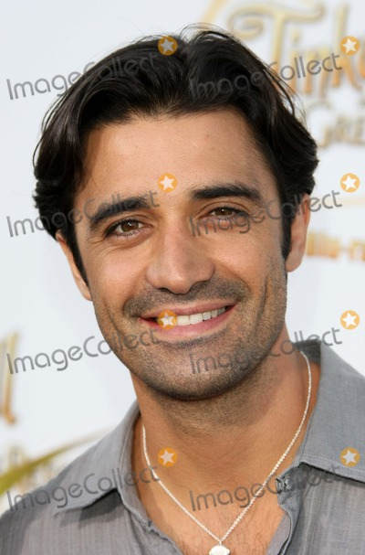 Tinker Bell Photo - Gilles Marini Actor Picnic-in-the-park Premiere of Tinkerbell La Cienega Park Beverly Hills 08-28-2010 Graham Whitby Boot-allstar - Globe Photos Inc