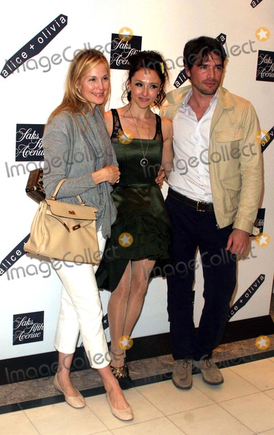 Alice  Olivia Photo - Alice  Olivia by Stacey Bendet Shop Opening at Saks 5th Avenue New York Saks 5th Avenue-nyc-03-18-2010 Matthew Settle Stacey Bendet and Kelly Rutherford Photo by John B Zissel-ipolinc-Globe Photos Inc2010
