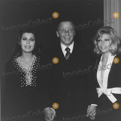 Nancy Sinatra Photo - Nancy Sinatra with Father Frank Sinatra and Tina sinatrasupplied by Globe Photos Inc