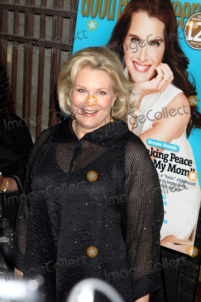 Candace Bergen Photo - Candace Bergen at Good Housekeepings Shine on a One Night Only Event Celebrating 125 Years Women Making Their Mark at NYC City Center 04-12-2010 Photo by John BarrettGlobe Photos Inc2010