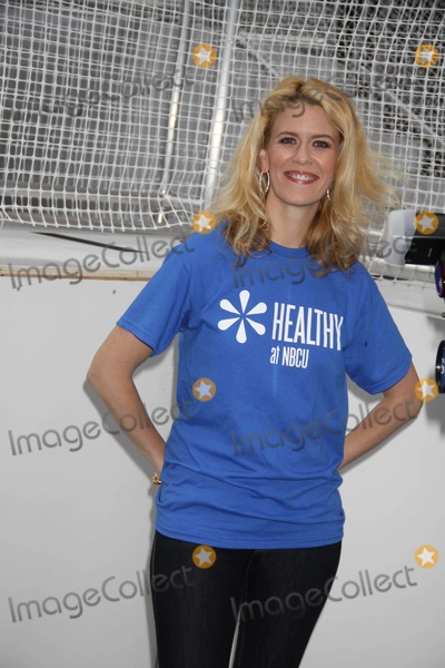Alex McCord Photo - Alex mccordat Nbc Universal Stars Step Out to Kick offhealthy Week at the Go Healthy step-a-thonin Times Square 5-23-11photo by John barrettglobe Photos inc2011