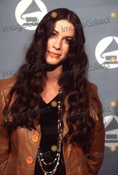Alanis Morisette Photo -  1996 Grammy Awards in Los Angeles CA Alanis Morisette Photo by Lisa RoseGlobe Photos Inc