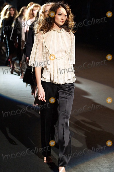 Ai Tominaga Photo - Olympus Fashion Week Y  Kei Fall 2004 Collection at Bryant Park in New York City 02072004 Photo Ken Rumments Globe Photos Inc 2004 Ai Tominaga