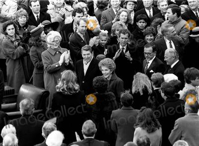 Jeb Bush Photo - 12089_Wash DC_Pres Ronald Reagan and Nancy Reagan at the innaugeration of his successor George HW Bush Also on the Capitol balcony are Barbara Bush George W Bush  wife Laura Jeb BushPHOTO BYNEIL SCHNEIDERGLOBE PHOTOS INC  2004RONALDREAGANRETRO
