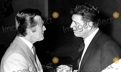 Burt Lancaster Photo - Kirk Douglas and Burt Lancaster Bill HolzGlobe Photos Inc Kirkdouglasretro