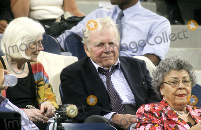 Andy Rooney Photo - Opening Night of the  2005 Us Open  Day 1 at the Usta Tennis Center in Flushing Meadows  Queens  New York City 8-29-2005 Photo by John Barrett-Globe Photos Inc 2005 Andy Rooney