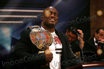 BOBBY LASHLEY Photo - Donald Trump and World Wrestling Entertainment Host News Conference For Wrestlemania 23 at Trump Tower 725 5ave Date 03-28-2007 Photo by Barry Talesnick-ipol-Globe Photos 2007 Bobby Lashley