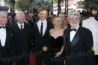 Antony Daniels Photo - L-R ANTONY DANIELS IAN MCDIARMID HAYDEN CHRISTENSEN NATALIE PORTMAN GEORGE LUCASPREMIERE STAR WARS - EPISODE III REVENGE OF THE SITHFESTIVAL DE CANNESPALAIS DES FESTIVALS CANNES FRANCE MAY 15PHOTO BY ALEC MICHAEL A MICHAELGLOBE PHOTOS INC 2005K43275AM