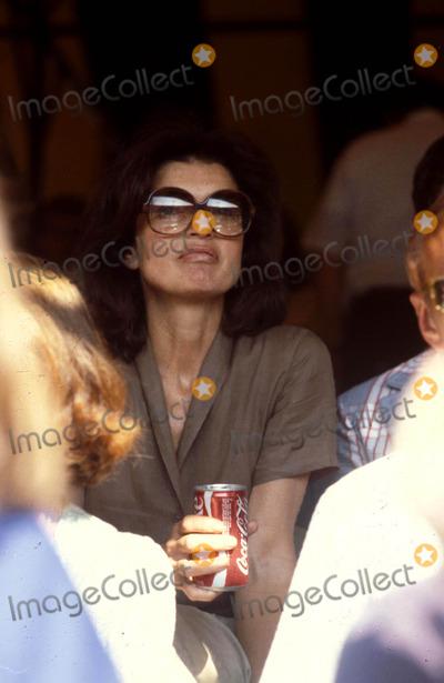 Jacqueline Kennedy Onassis Photo - Jacqueline Kennedy Onassis R7843 1980 Photo by Globe Photos Inc Jacquelinekennedyonassisretro