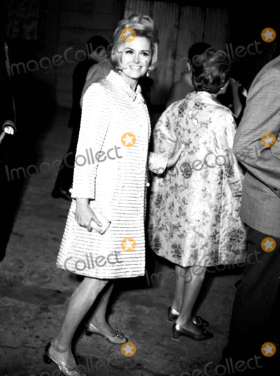 Donna Reed Photo - Donna Reed at the Courreges Fashion Party 1967 23823 Don OrntizGlobe Photos Inc