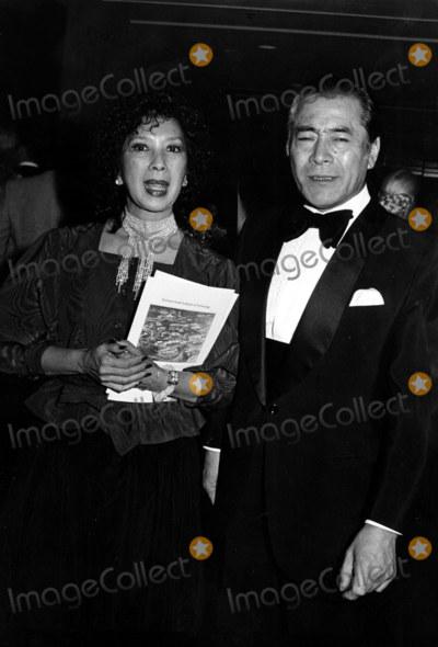 Toshiro Mifune Photo - Toshiro Mifune_miiko Taka Photo by Darlene Hammond Globe Photosinc