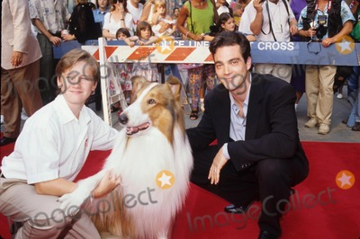 Tom Guiry Photo - Jon Tenney with Tom Guiry and Lassie the Dog L8856ps Photo by Paul Schmulbach-Globe Photos Inc