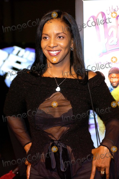April Weeden Photo - Hair Show Los Angeles Premiere at Magic Johnson Theaters Los Angeles California 10132004 Photo by Valerie GoodloeGlobe Photos Inc 2004 April Weeden Washington