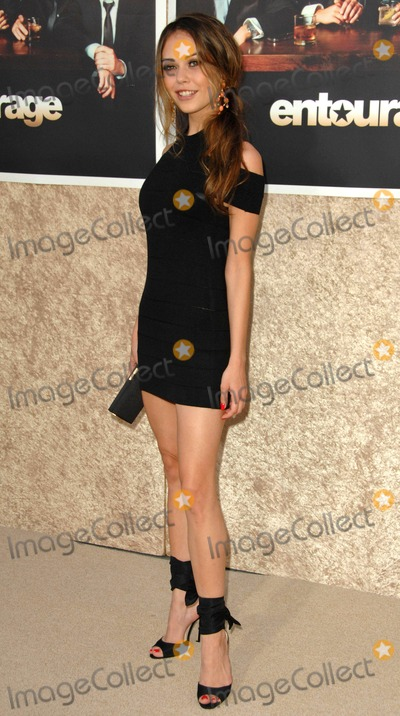 Alexis Dziena Photo - Alexis Dziena attends the Los Angeles Premiere of the Hbo Original Series Entourage Held at the Paramount Theater in Hollywoodcalifornia on July 9 2009 Photo by David Longendyke-Globe Photos Inc 2009