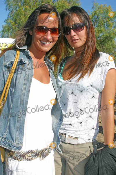 Teena Collins Photo - Hang Paws Animal Rescue and Adoption Event by Pet Orphans at Malibu Bluffs Park Malibu California 07112004 Photo by Clinton H WallaceipolGlobe Photos Inc 2004 Nikki Collins and Teena Collins