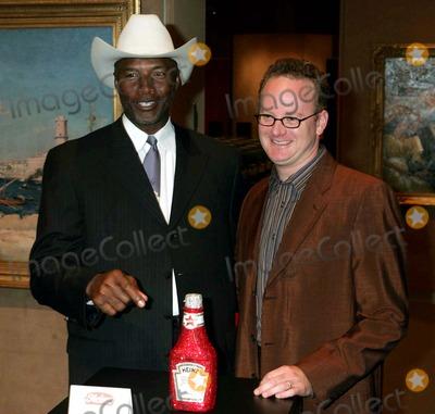 Mel Blount Photo - William Shatner Joins Heinz For Charity Auction at Sothebys  New York City 10222004 Photo by Rick MacklerrangefinderGlobe Photosinc Mel Blount