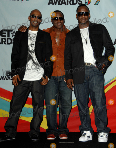Ralph Tresvant Photo - Ralph Tresvant Johnny Gill and Bobby Brown attends the 2009 Bet Awards Press Room Held at the Shrine Auditorium in Los Angeles California on June 28 2009 Photo by David Longendyke-Globe Photos Inc 2009